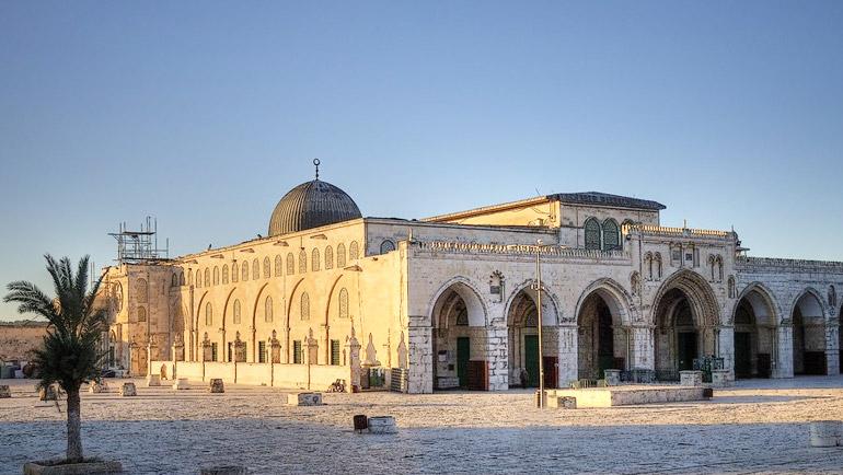 بعض المصنفات في فضائل المسجد الأقصى