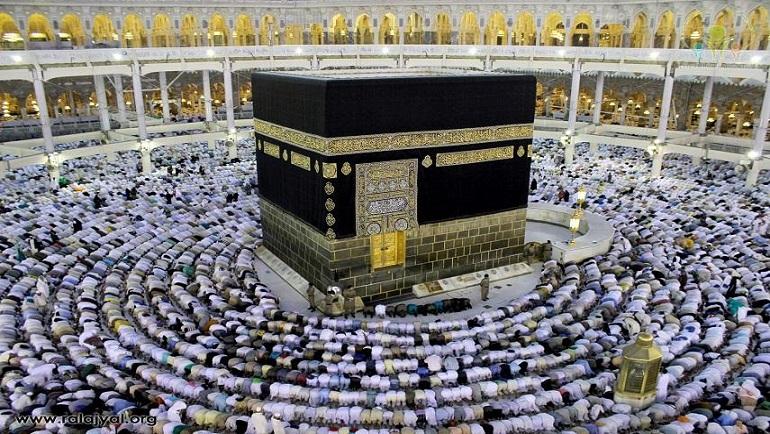 مشاركة النبي صلى الله عليه وسلم قومه أعمال حياتهم اليومية: بناء الكعبة